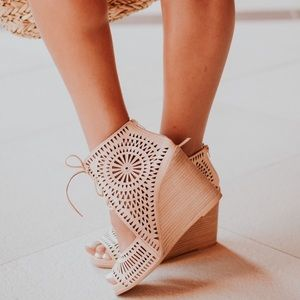 Jeffrey Campbell • Rayos perforated tan wedges